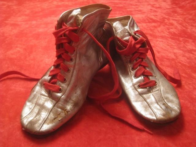 Le scarpe originali di Mario Andretti, realizzate da Ciccio