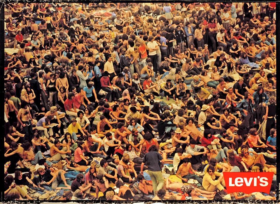 Una pubblicità di Levi's coi giovani presenti al leggendario festival di Woodstock, nel 1969