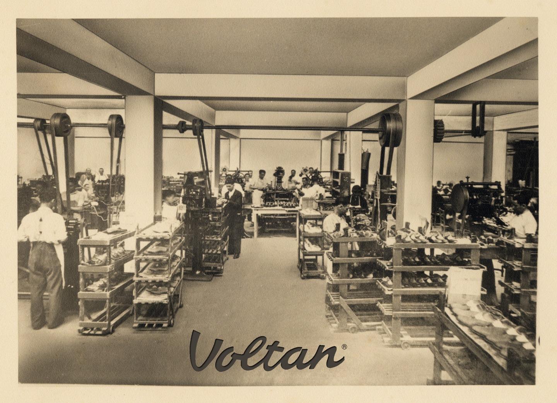 size 40 22574 7fd11 Dall'America all'Italia: i 120 anni del Calzaturificio ...