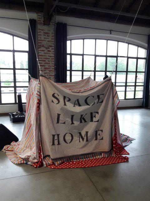 L'opera di Jaspal Birdi, vincitore di Walking with Art - Stonefly Art Prize